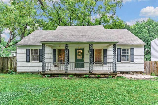 8811 Rainbow Lane, Kansas City, MO 64114 (#2242466) :: Jessup Homes Real Estate | RE/MAX Infinity