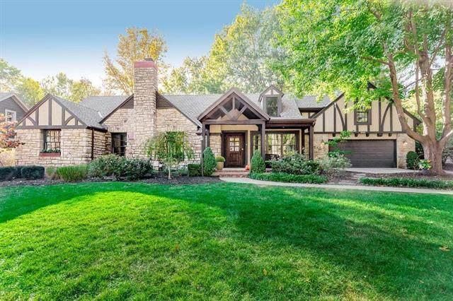 8308 High Drive, Leawood, KS 66206 (#2242486) :: Austin Home Team