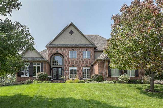 12340 Noland Street, Overland Park, KS 66213 (#2242587) :: Dani Beyer Real Estate