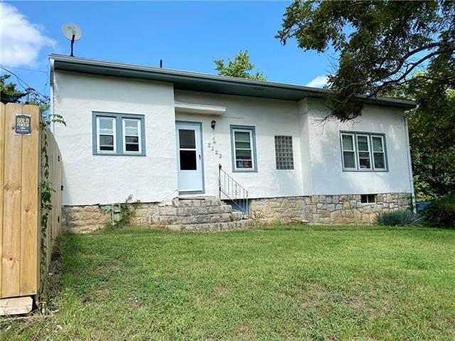 1 Vine Street, Excelsior Springs, MO 64024 (#2242613) :: Ron Henderson & Associates