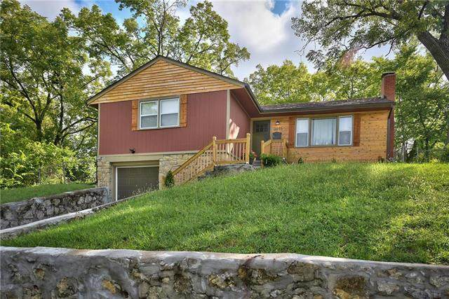 3015 Norton Avenue, Kansas City, MO 64128 (#2242642) :: Jessup Homes Real Estate   RE/MAX Infinity