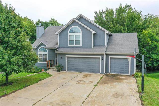 2003 N Grove Drive, Independence, MO 64058 (#2242764) :: Jessup Homes Real Estate | RE/MAX Infinity