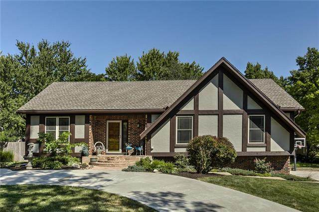 14718 W 94 Terrace, Lenexa, KS 66215 (#2242783) :: Ron Henderson & Associates