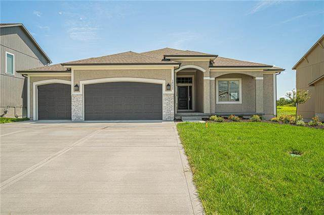 13302 W 182nd Terrace, Overland Park, KS 66013 (#2242835) :: Dani Beyer Real Estate