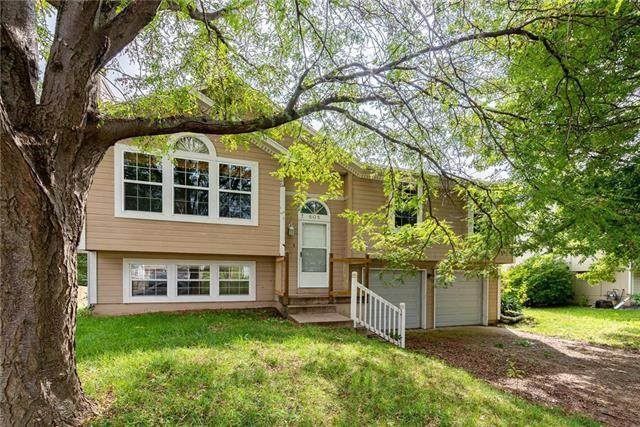 505 SE Onyx Drive, Lee's Summit, MO 64063 (#2242914) :: Jessup Homes Real Estate | RE/MAX Infinity