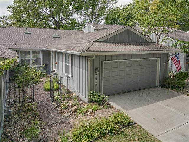 12774 Overbrook Road, Leawood, KS 66209 (#2242920) :: House of Couse Group