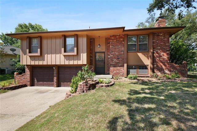300 S Kendall Avenue, Independence, MO 64056 (#2242951) :: Five-Star Homes