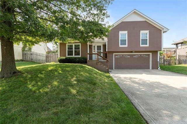 14112 Lora Street, Smithville, MO 64089 (#2242956) :: Edie Waters Network
