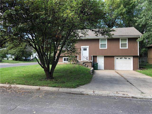 510 W 5th Court, Peculiar, MO 64078 (#2243075) :: Jessup Homes Real Estate | RE/MAX Infinity