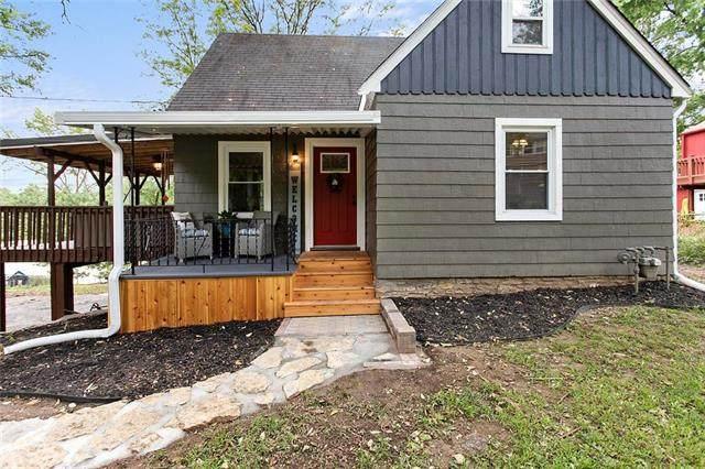 5448 NW Venetian Drive, Houston Lake, MO 64151 (#2243085) :: Jessup Homes Real Estate | RE/MAX Infinity