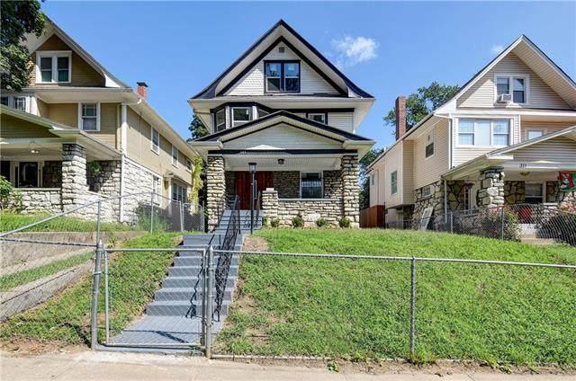 307 Elmwood Avenue, Kansas City, MO 64124 (#2243096) :: Dani Beyer Real Estate