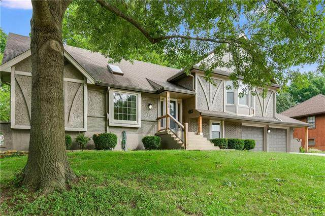 1408 SW 9th Street, Lee's Summit, MO 64081 (#2243135) :: House of Couse Group