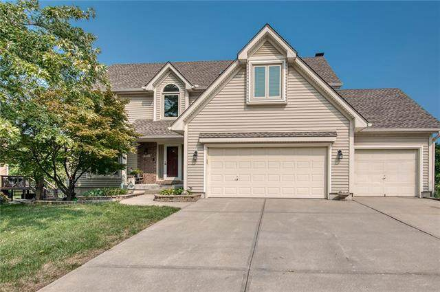 305 SE Williamsburg Drive, Lee's Summit, MO 64063 (#2243141) :: House of Couse Group