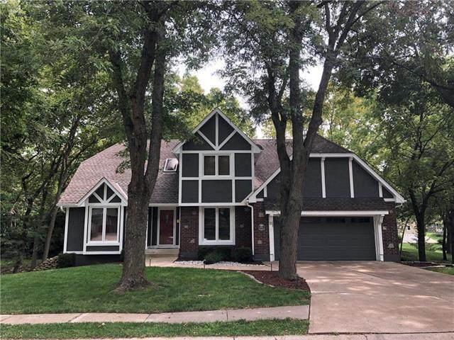 1300 SW Granite Creek Drive, Blue Springs, MO 64015 (#2243149) :: Five-Star Homes