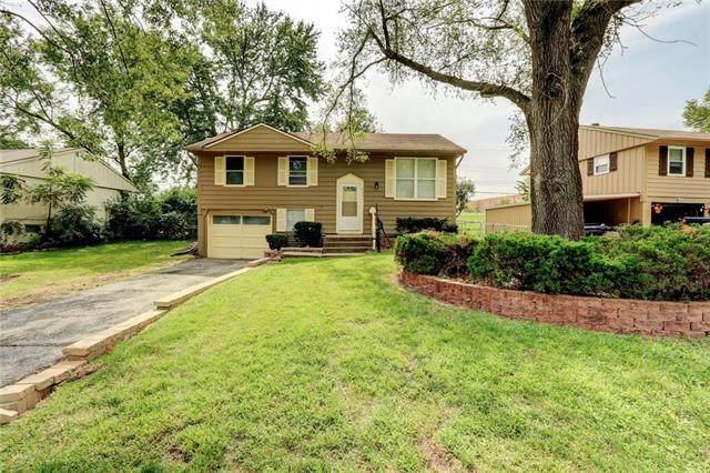 8401 E 93rd Terrace, Kansas City, MO 64138 (#2243193) :: Ron Henderson & Associates