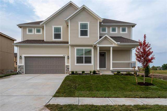 18939 W 168th Terrace, Olathe, KS 66062 (#2243233) :: The Gunselman Team
