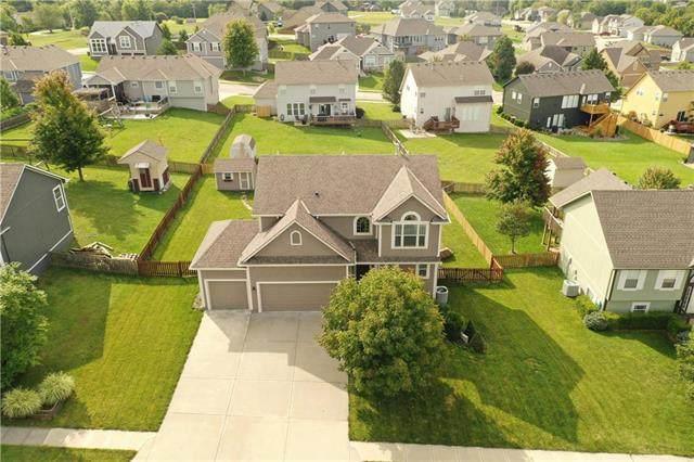 1208 Ridge Tree Lane, Pleasant Hill, MO 64080 (#2243239) :: Five-Star Homes