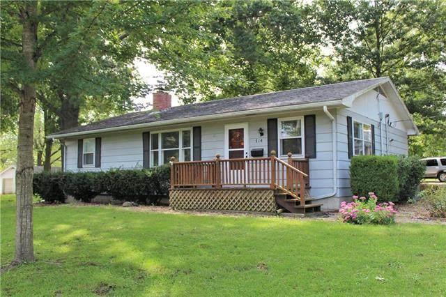 714 Pine Street, Sweet Springs, MO 65351 (#2243244) :: Ron Henderson & Associates