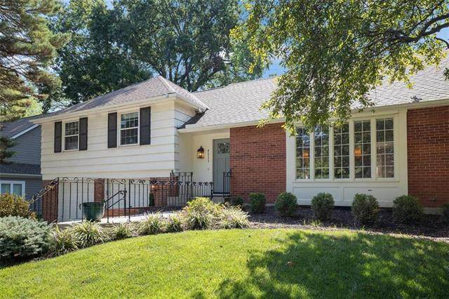 4311 W 63rd Terrace, Prairie Village, KS 66208 (#2243246) :: The Gunselman Team