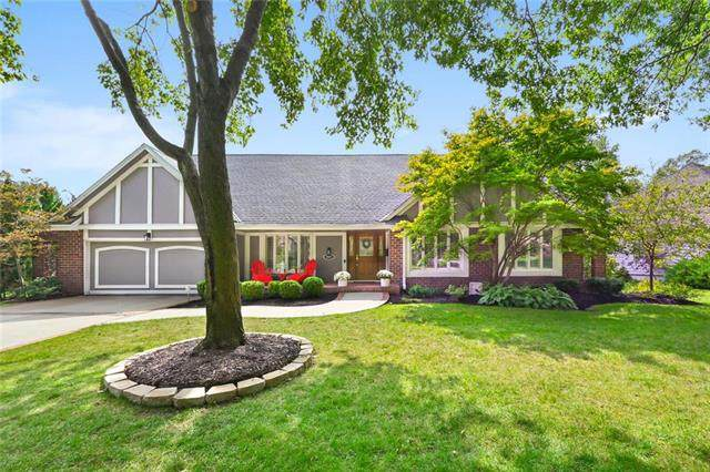 8983 Rosewood Drive, Prairie Village, KS 66207 (#2243308) :: House of Couse Group