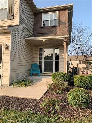 8501 N Woodland Court, Kansas City, MO 64155 (#2243322) :: Ron Henderson & Associates