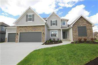 7728 N Hull Avenue, Kansas City, MO 64151 (#2243386) :: Audra Heller and Associates