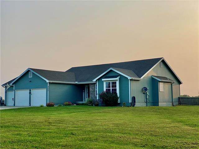 4585 Reese Drive, Wellsville, KS 66092 (#2243403) :: House of Couse Group