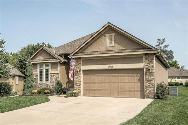 10805 N St Clair Court, Kansas City, MO 64154 (#2243408) :: Jessup Homes Real Estate | RE/MAX Infinity
