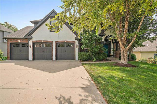 6190 NW White Oak Drive, Parkville, MO 64152 (#2243461) :: Jessup Homes Real Estate | RE/MAX Infinity
