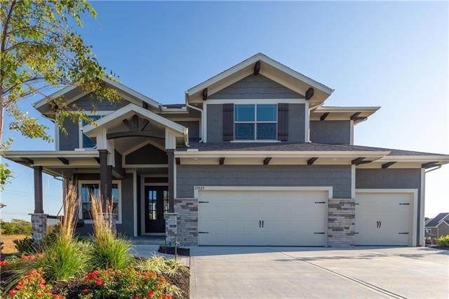 16966 S Penrose Lane, Olathe, KS 66062 (#2243462) :: Austin Home Team