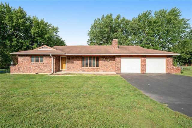 8320 Mccormack Drive, Lenexa, KS 66227 (#2243468) :: Jessup Homes Real Estate | RE/MAX Infinity