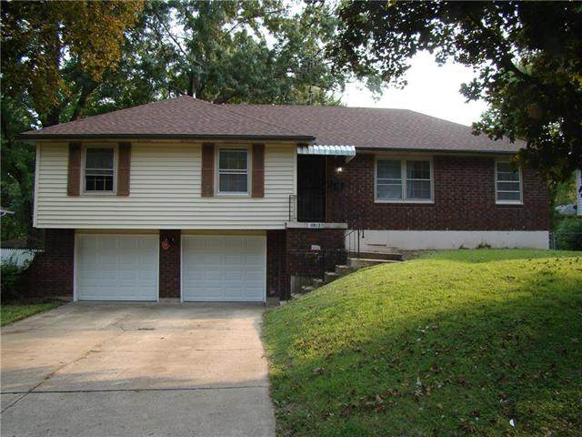 11913 E 57th Terrace, Kansas City, MO 64133 (#2243519) :: Jessup Homes Real Estate | RE/MAX Infinity
