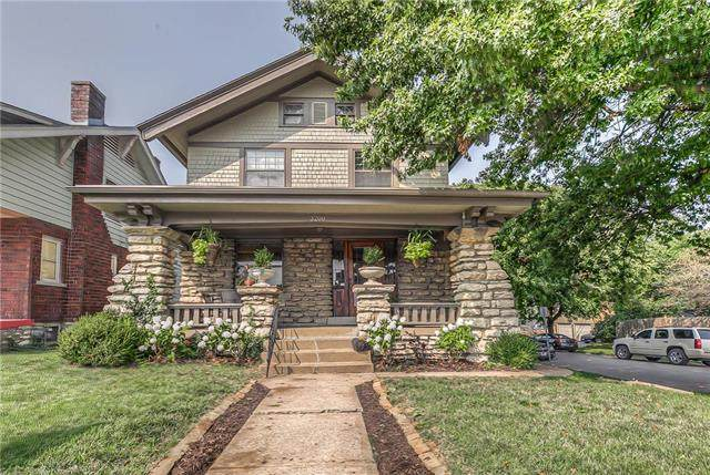 3200 Summit Street, Kansas City, MO 64111 (#2243571) :: The Gunselman Team