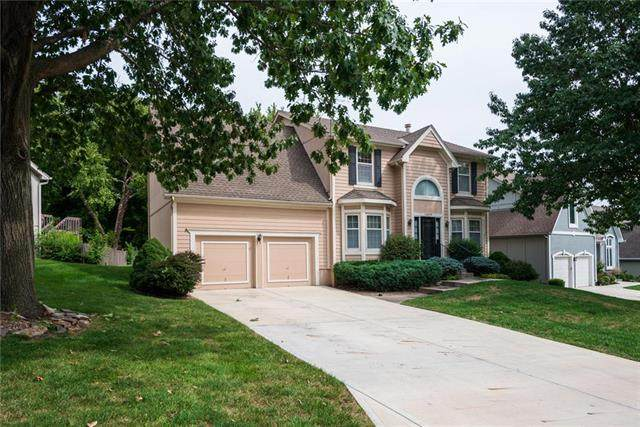 12609 Grandview Street, Overland Park, KS 66213 (#2243577) :: House of Couse Group