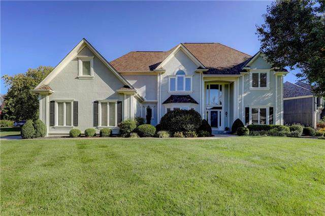 14222 Eby Street, Overland Park, KS 66221 (#2243599) :: Dani Beyer Real Estate