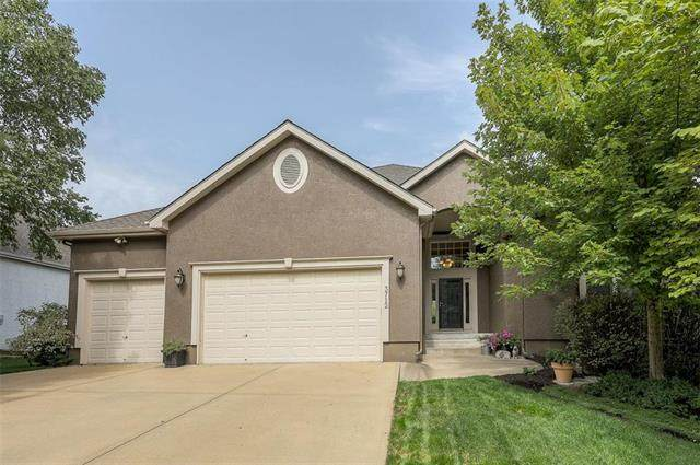 3712 W 157th Street, Overland Park, KS 66224 (#2243612) :: House of Couse Group