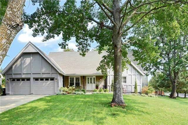 15243 Dearborn Street, Overland Park, KS 66223 (#2243618) :: House of Couse Group