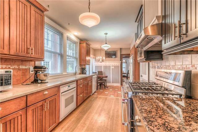 6128 Walnut Street, Kansas City, MO 64113 (#2243620) :: Jessup Homes Real Estate | RE/MAX Infinity