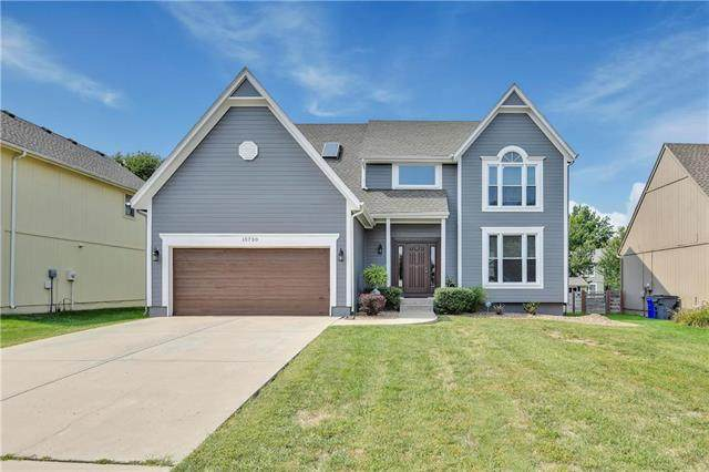 15730 S Apache Street, Olathe, KS 66062 (#2243645) :: House of Couse Group