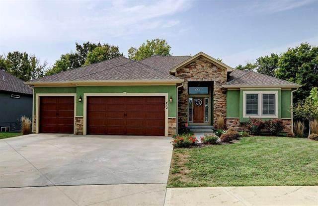 413 NE Greenview Drive, Blue Springs, MO 64029 (#2243648) :: Five-Star Homes