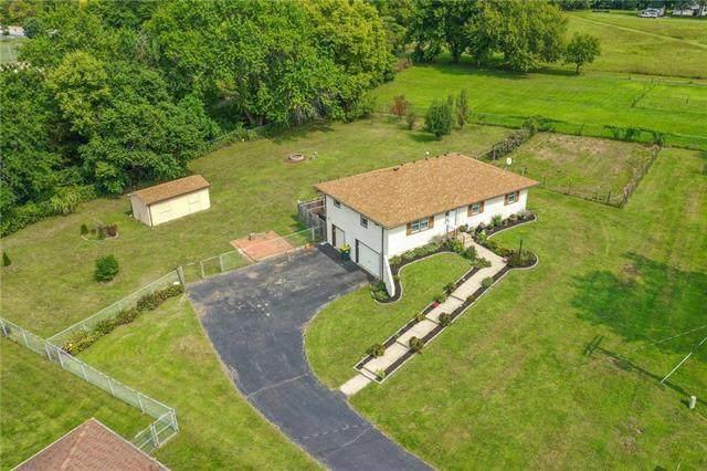 22400 W 73rd Terrace, Shawnee, KS 66227 (#2243665) :: The Shannon Lyon Group - ReeceNichols