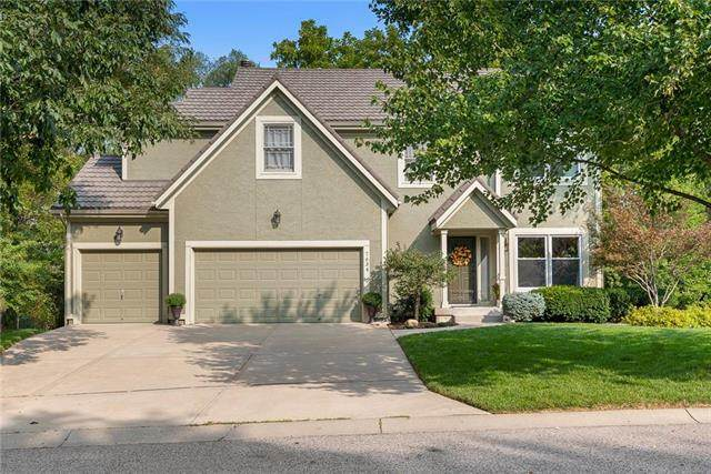 7634 Darnell Street, Lenexa, KS 66216 (#2243691) :: House of Couse Group