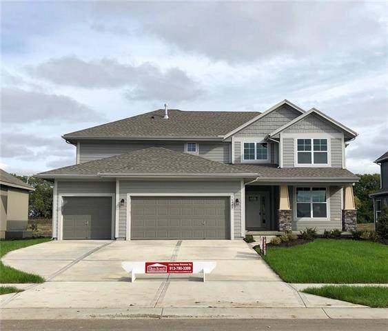16432 S Stagecoach Street, Olathe, KS 66062 (#2243702) :: House of Couse Group