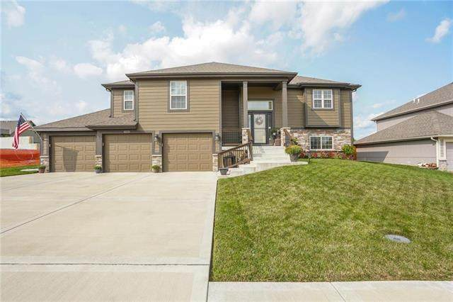 1406 NE 182nd Terrace, Smithville, MO 64089 (#2243732) :: Edie Waters Network