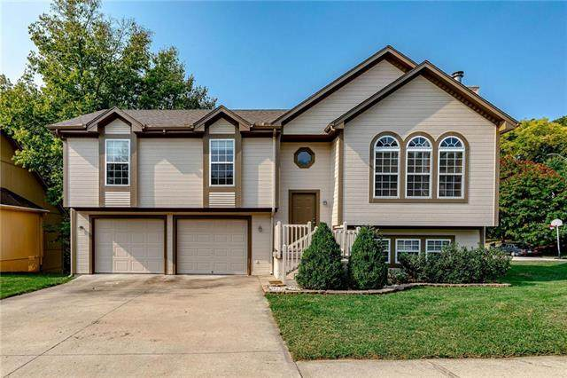 16809 E Kerrington Court, Independence, MO 64055 (#2243760) :: Jessup Homes Real Estate   RE/MAX Infinity