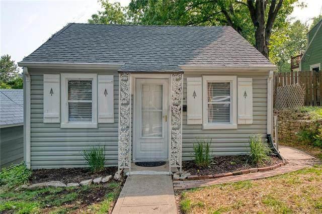 15 W 5th Street, Parkville, MO 64152 (#2243773) :: Team Real Estate
