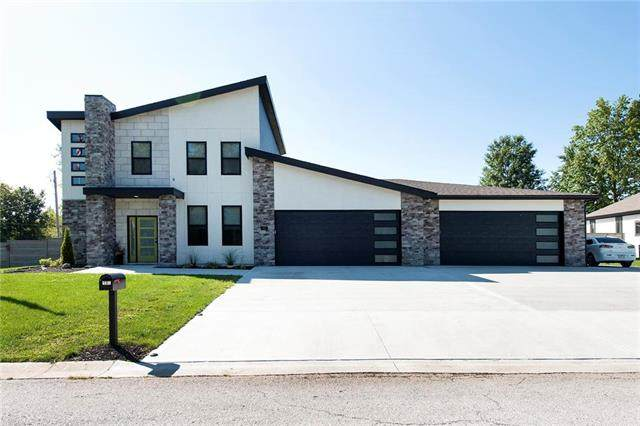 401 NW Rust Court, Grain Valley, MO 64029 (#2243813) :: Jessup Homes Real Estate | RE/MAX Infinity