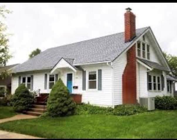 458 N Leonard Street, Liberty, MO 64068 (#2243815) :: Ron Henderson & Associates