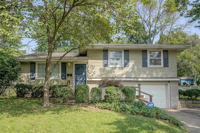 7932 53rd Terrace, Kansas City, MO 64119 (#2243841) :: Eric Craig Real Estate Team