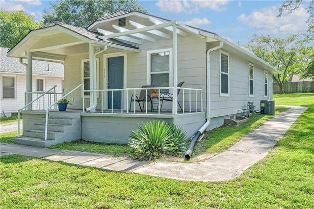 933 E Sea Avenue, Independence, MO 64050 (#2243977) :: Ron Henderson & Associates